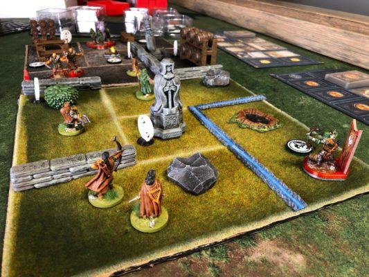 Bilde av spillet, med egne erstatninger for omtrent alle komponenter fra Journeys in Middle-earth.