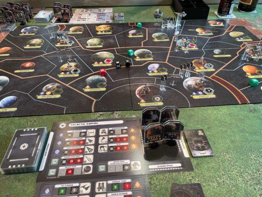 Oversikt over brettet til Star Wars: Rebellion fra starten av spillet.